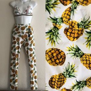 NWT Stretch Sueded PINEAPPLE Print LEGGING…